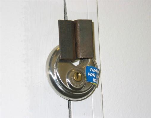 discLock-onlocker-door